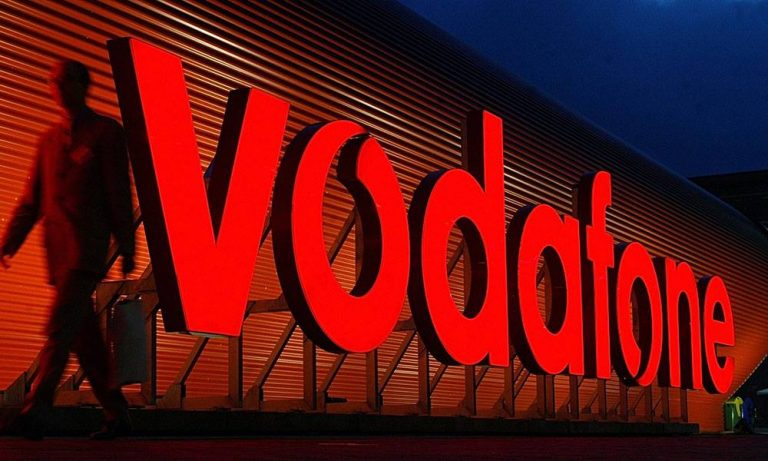 Vodafone Ties-up with HOOQ for Content in India