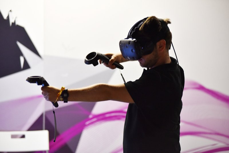 According to the latest startup news, HTC's Vive X has invested in Brain Control Company