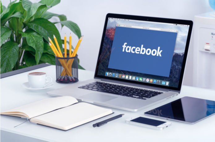 Using Facebook in laptop | iTMunch