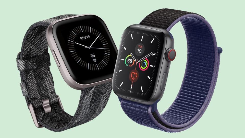 Fitbit vs iWatch | iTMunch