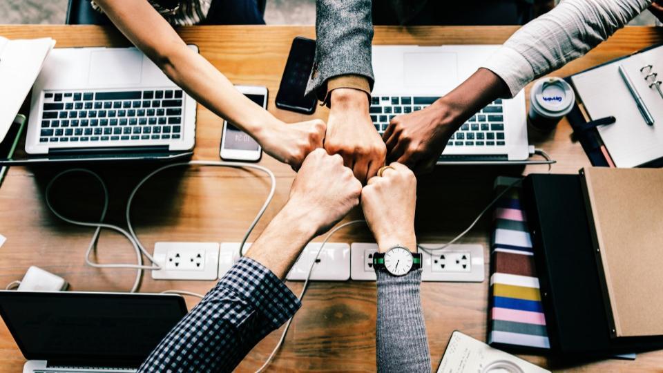 Employee engagement Huckleberry | iTMunch