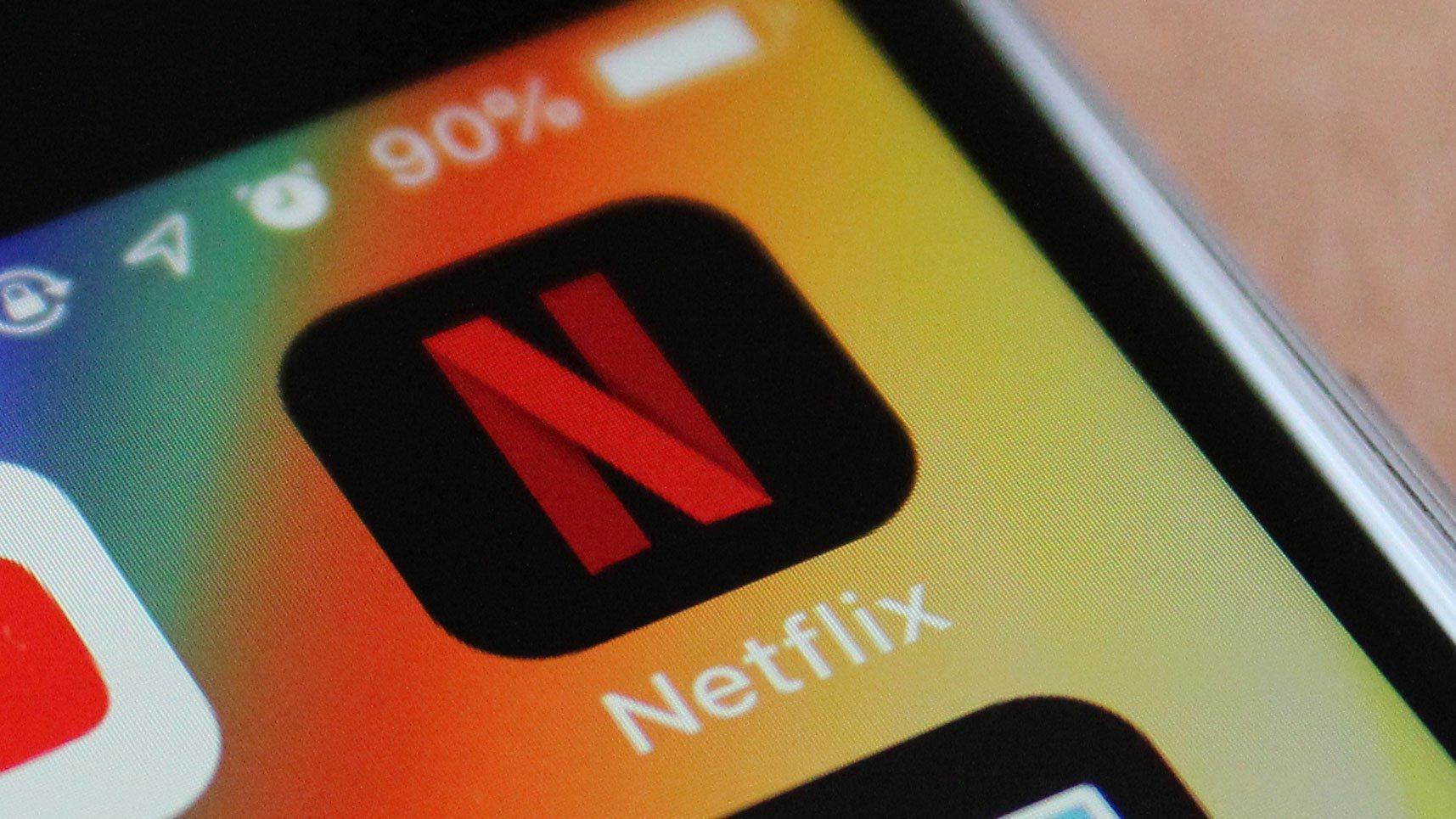 Netflix on phone | iTMunch
