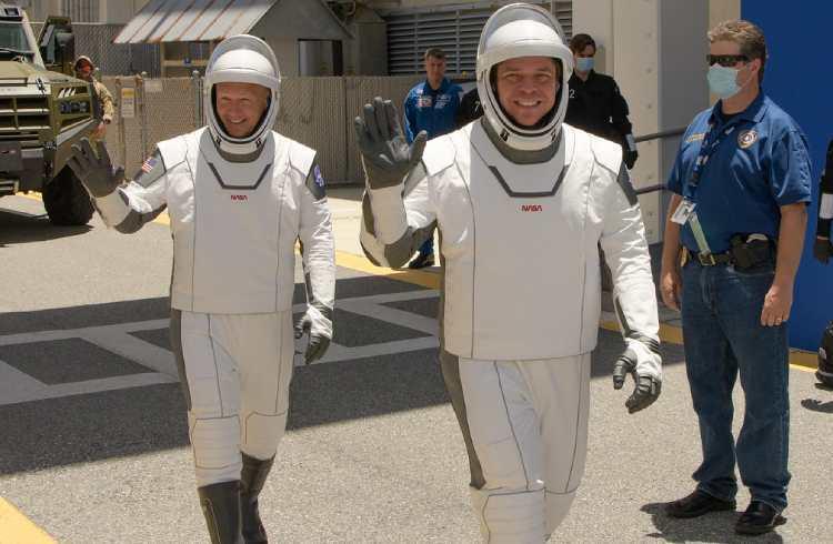 Bob Behnken & Doug Hurley ready to board Crew Dragon   iTMunch