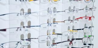 Store-like feel through virtual glasses try-on | iTMunch