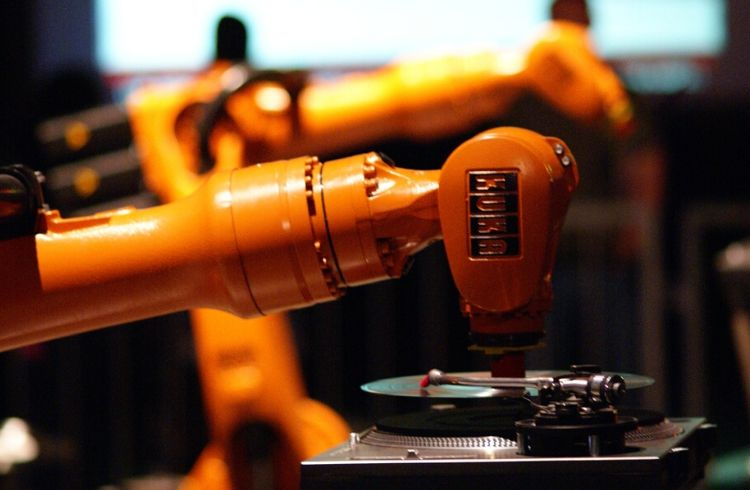 KUKA Robotics partners with Robycs Technology | iTMunch