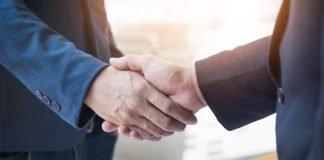 handshake in office   iTMunch