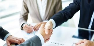 deal finalised, men shaking hands | iTMunch
