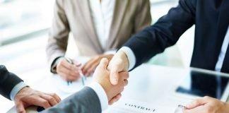 deal finalised, men shaking hands | iTMunch
