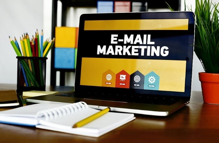 B2B email marketing tips & best practices + Free Template
