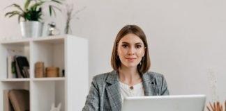 woman suit laptop | iTMunch