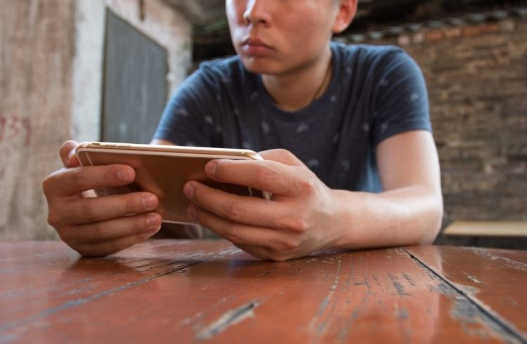 Mobile gaming, its future & big names moving into smartphone gaming