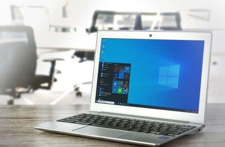 Windows Operating System on Laptop   iTMunch