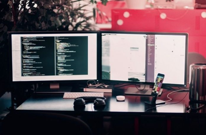 coding on computer | iTMunch